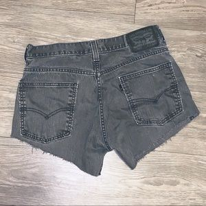 LEVIS 513 Distressed Shorts Size 32